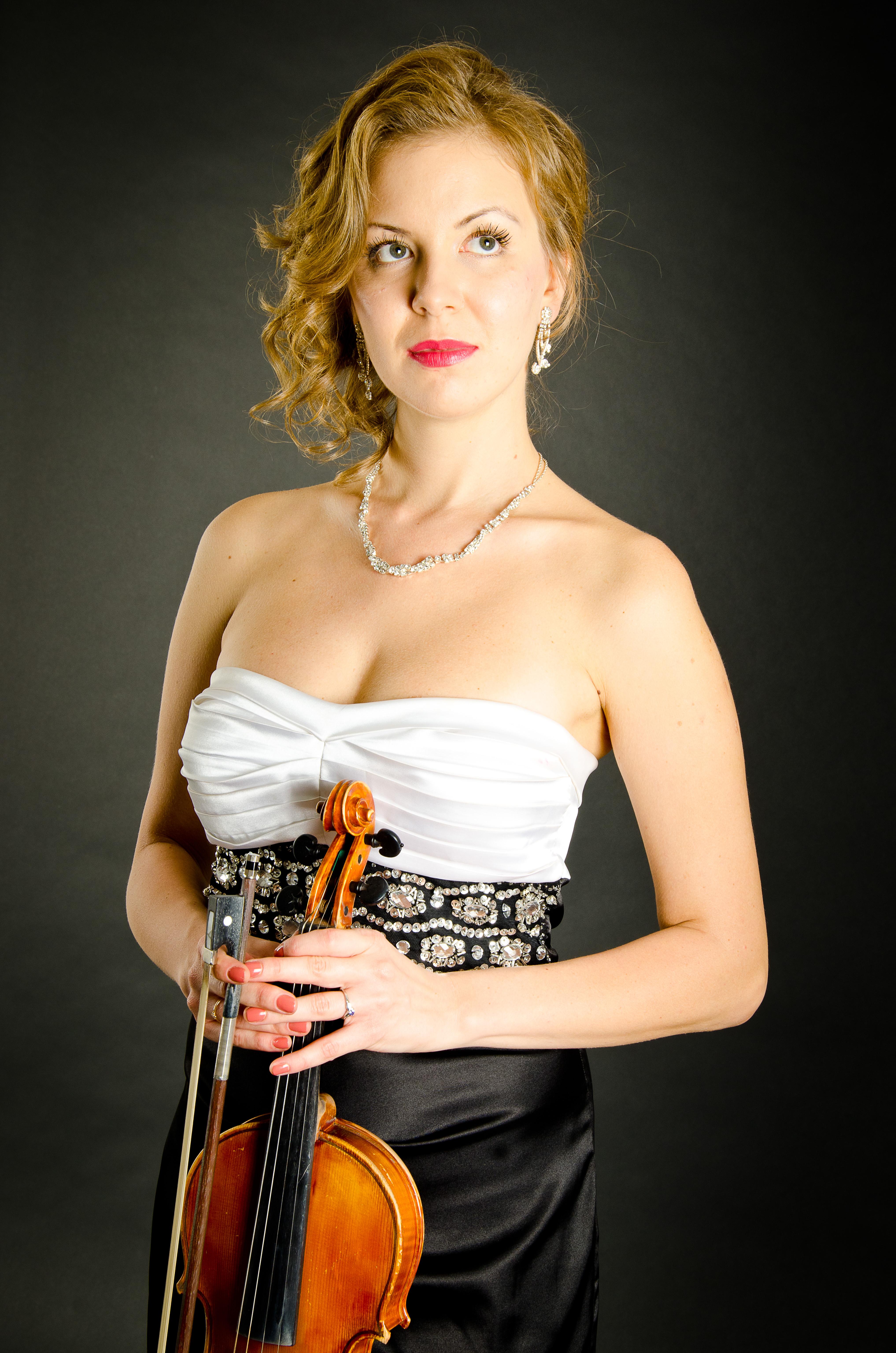 Olga Semionova, violin